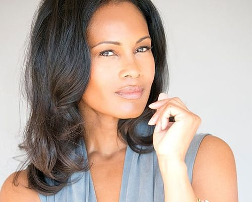 Robinne Lee Bio, Husband, Facebook